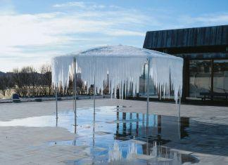 Olafur Eliasson, Ice pavilion, 1998. Exhibition view at Reykjavik Art Museum, Kjarvalsstadir, 1998. Photo Einar Falur Ingolfsson