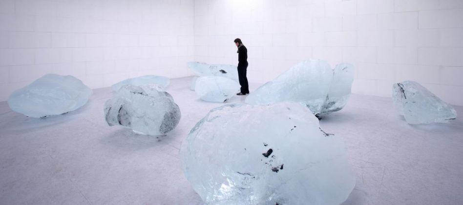 Olafur Eliasson, Your waste of time, 2006. Installation view at neugerriemschneider, Berlin, 2006. Photo Jens Ziehe