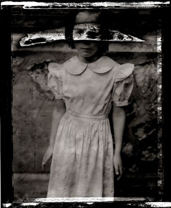 Sarah Moon, La fille de l'Écluse, 1990