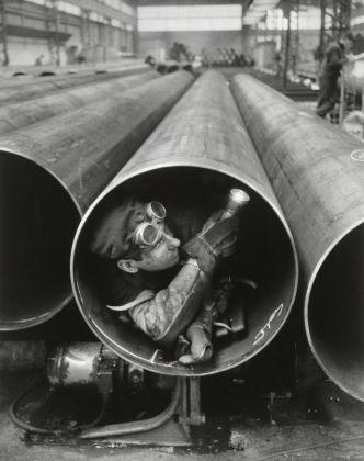 Willy Ronis, Usine Lorraine-Escaut, Sedan, 1959. Ministère de la Culture - Médiathèque de l'architecture et du patrimoine - Dist RMN-GP © Donation Willy Ronis