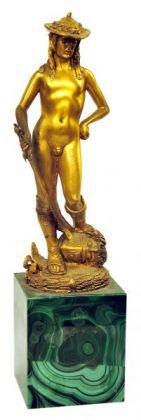 Fratelli Berti, Firenze David di Donatello, bronzo dorato, base lastronata in malachite, 20x8x7 cm, 1977, Casa Melato ai Coronari, Roma. ©Matteo Smolizza