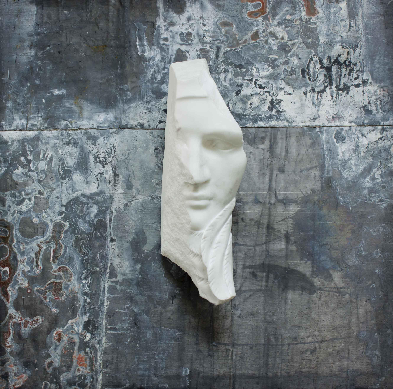 Michelangelo Galliani, HYPHNOS, 2017, marmo statuario di Carrara e piombo, cm70x70cm, kg15