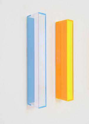 Regine Schumann, Color Satin Rainbow Duesseldorf, 2017, Acrylic Glass, fluorescent pigment © Regine Schumann