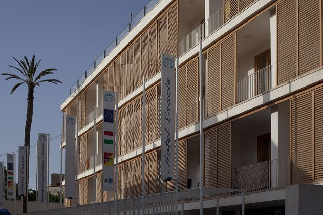 Orazio La Monaca, Studio, progetto di un albergo in località turistica di mare. Marinella di Selinunte (TP), 2007, photo Lamberto Rubino, courtesy Studio Orazio La Monaca
