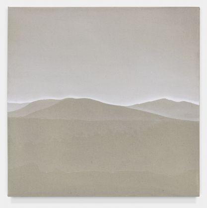 Fuori Registro (Tra il lusco e il brusco 2), 2018, acrilico su tela, cm. 55,5x55,5. Courtesy Totah, NY. Fotografie di Alex Yudzon