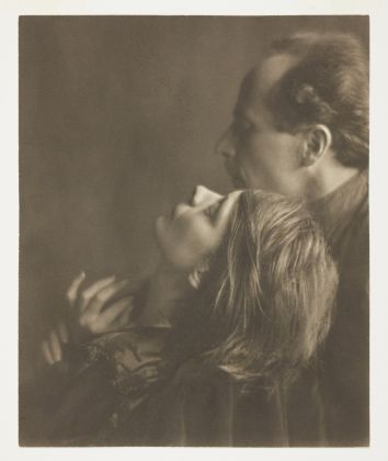Imogen Cunningham Edward Weston and Margrethe Mather, 1922, George Eastman Museum. © Imogen Cunningham Trust. All rights reserved