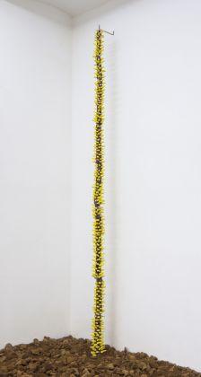 Giovanni Vetere, Allium, 2018, Glazed Ceramic © Giovanni Vetere