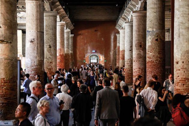 Pubblico Arsenale - Photo by Jacopo Salvi - Courtesy of La Biennale di Venezia