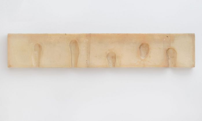 Bruce Nauman, Wax Impressions of the Knees of Five Famous Artists, 1966. Collection SFMOMA © 2018 Bruce Nauman_Artists Rights Society (ARS), New York. Photo Ben Blackwell