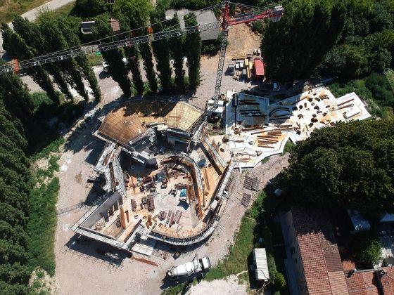 Chiesa di San Giacomo, Ferrara, Italia. In costruzione. Photo Mattia Pedrazzi. Courtesy studio EMBT