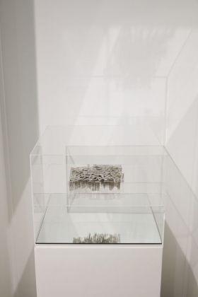 Equilibrium. Exhibition view at Mazzoleni, Torino 2018. Elisabetta Di Maggio. Courtesy Mazzoleni © Alto Piano_Fotografia Agostino Osio