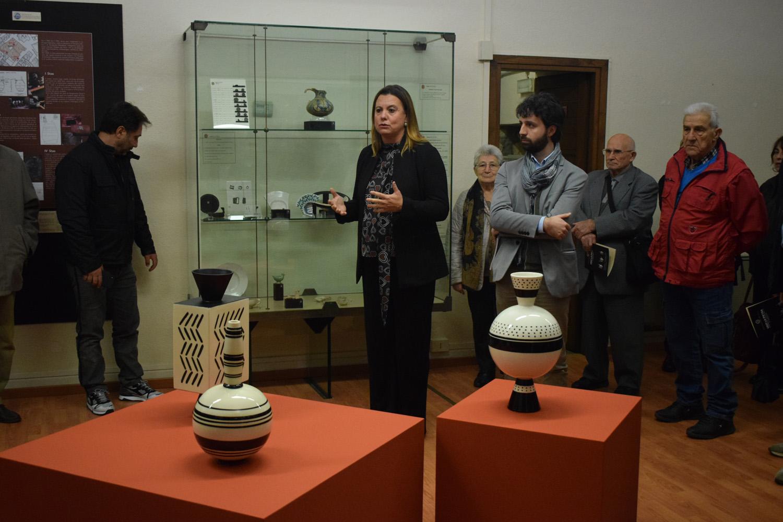 Foto dell'inaugurazione della mostra di Ugo La Pietra, Museo della Ceramica di Tarquinia