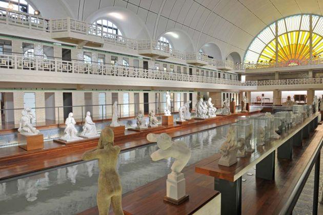 Galerie sculptures -Le bassin. Architecte : A. Baert 1932 - J.P. Philippon 2001. Ph.Alain Leprince