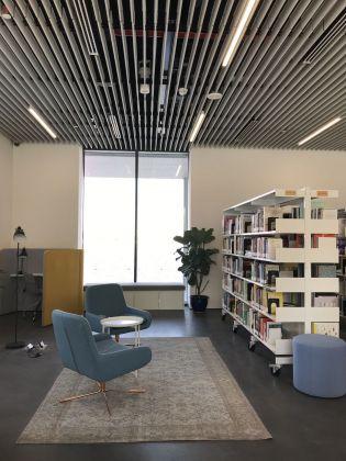 Jameel Arts Centre, Dubai. La biblioteca
