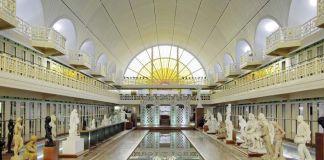 La bassin. Architecte : A. Baert 1932 - J.P. Philippon 2001. Ph.Alain Leprince