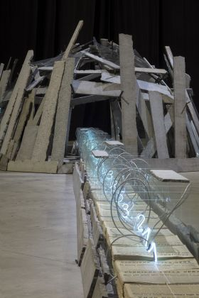 "Mario Merz, Sentiero per qui, 1986. Installation view at Pirelli HangarBicocca, Milano 2018. ""la Caixa"" Collection. Contemporary Art. Courtesy Pirelli HangarBicocca, Milano. Photo Renato Ghiazza © Mario Merz, by SIAE 2018"