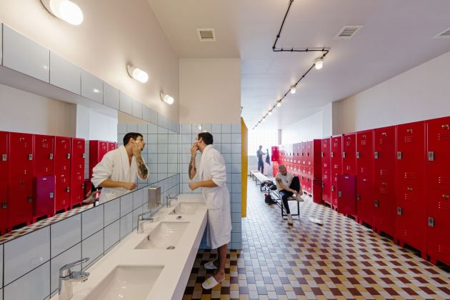 MUA – Multiverse Architecture, Fabrika, Tbilisi. Shared Bathroom. Photo credits Nakanimamasakhlisi Photo Lab