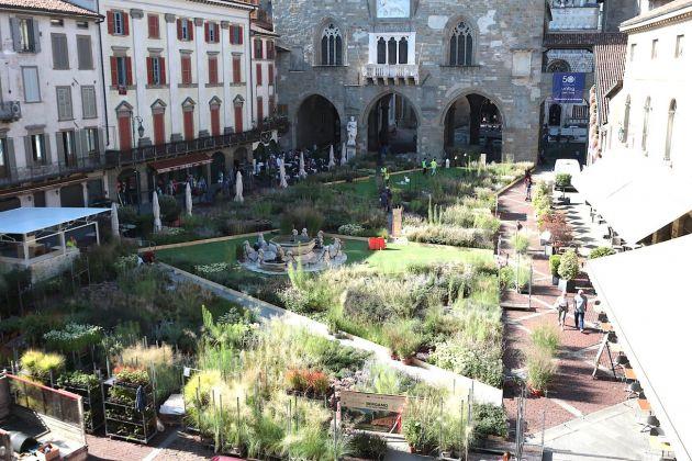 Piet Oudolf Gardens, Piazza Vecchia, Bergamo. Photo Claudia Zanfi