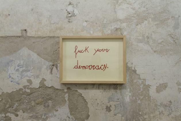 SPAZIO RIVOLUZIONE, opera di Franko B, Fuck your Democracy, per FANGO vol.1