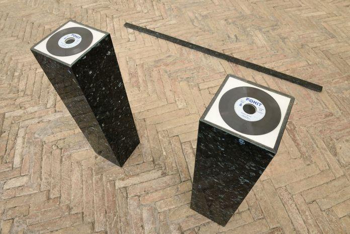 Simone Cametti. Media montagna. Exhibition view at Spazio K - Galleria Nazionale delle Marche, Urbino 2018, photo Michele Alberto Sereni