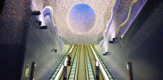 Stazione Toledo, Oscar Tusquets Blanca, Crater de luz, e Robert Wilson, Relative light. photo Peppe Avallone, ANM SpA