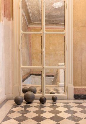 Šejla Kamerić, Position Absolute, 2018. Installation view at Fondazione Pini, Milano 2018. Photo credit Andrea Rossetti