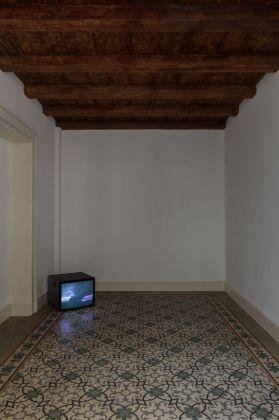 Šejla Kamerić, Sunset, 2018. Installation view at Fondazione Pini, Milano 2018