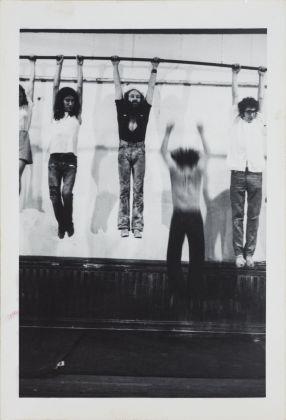 Carol Goodden, Raindrop Dance, 1971, 13 fotografie vintage stampate su carta ai sali d'argento della performance di Carol Goodden presentata il 29 giugno 1971 presso il 112 Greene Street, N.Y.C. Fotografo sconosciuto