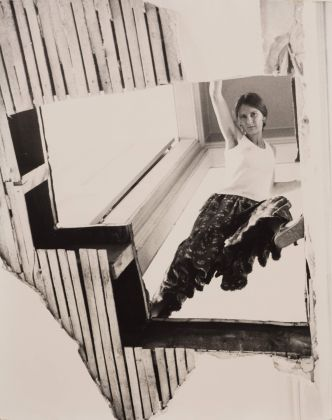 Gordon Matta-Clark, Carol Goodden in Bronx Floors, 1972, 3 fotografie vintage in bianco e nero stampate su carta ai sali d'argento. Courtesy Harold Berg