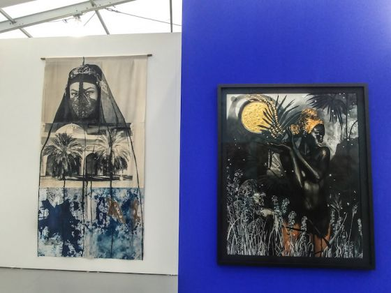 Galleria: Mariane Ibrahim; opera a ds: Know we will be reborn amidst all the stars. ex nihilo (Dark continent series), di Lina Iris Viktor; opera a sn Within Us, di Zohra Opoku.