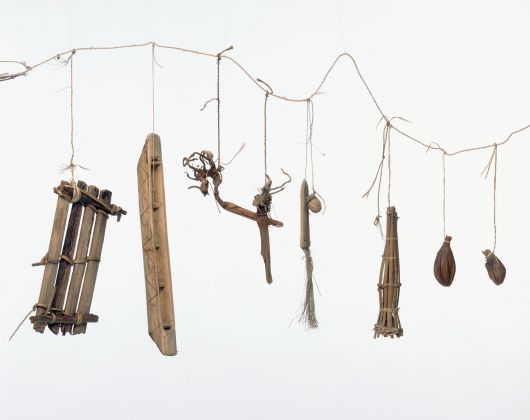 Proverb string, Maniema, D.R. Congo. Lega. Wood, plant fibre, cloth, leaf, seed pods, calabash. Inv. no. EO.1975.48.2 © RMCA, Tervuren, photo Jo Van de Vijver
