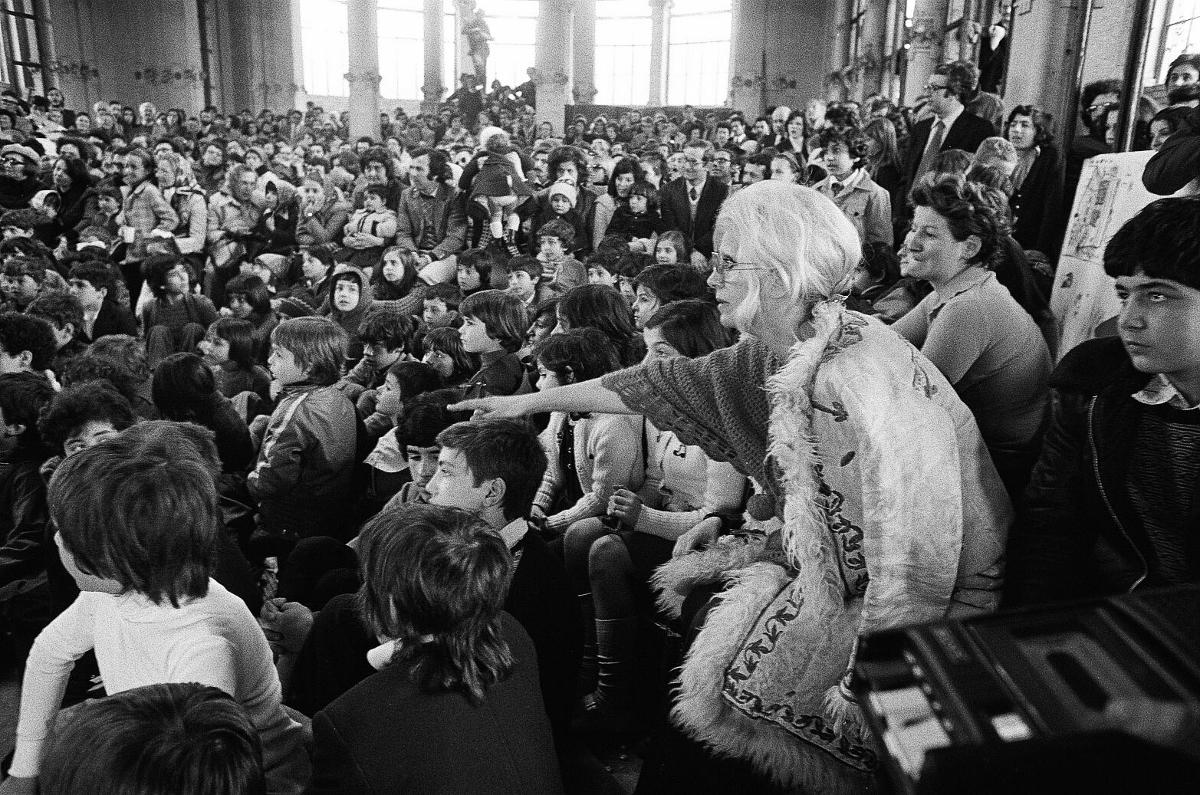 Letizia Battaglia, Franca Rame alla Palazzina Liberty, Milano, 1974 © Letizia Battaglia