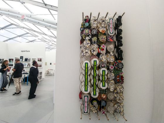 Galleria: Anglim Gilbert Gallery; Opera: The Future of All Possible Pasts, di Jacob Hashimoto.
