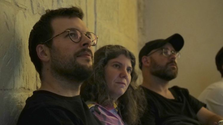 """Robert Leckie, Rana Hamadeh, Zach Blas durante il workshop """"Ricerche sensibili"""" Q-Rated, Lecce 2018. Foto Cliché, courtesy Fondazione La Quadriennale di Roma"""