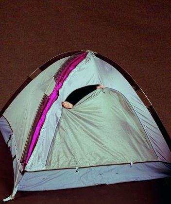 Alicia Framis, One night tent, 2002