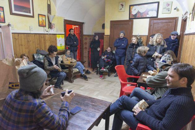 Mercante in fiera al Bar Oasi, Pereto. Ph. Giorgio Benni