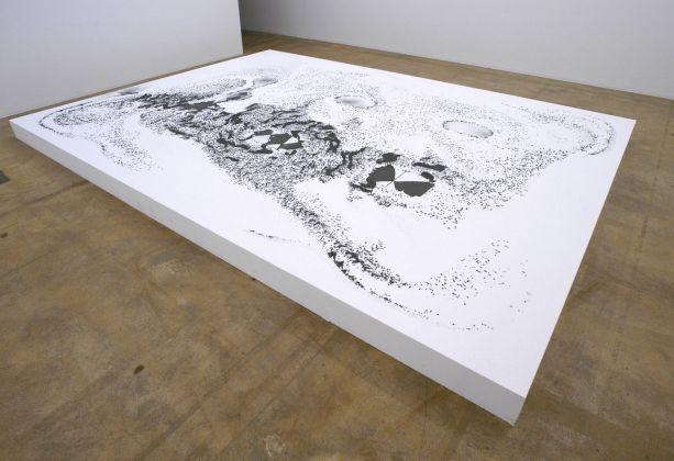 Eva Marisaldi, Disegni persi, 1996. Installation view at MAMCO, Ginevra. Collezione privata