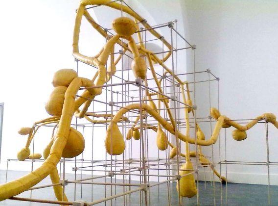 Eva Marisaldi, Post it, 2010. Courtesy Galleria De' Foscherari, Bologna
