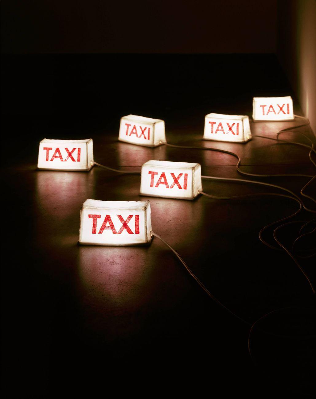 Eva Marisaldi, Taxi, 2004. Photo Attilio Maranzano. Collezione privata