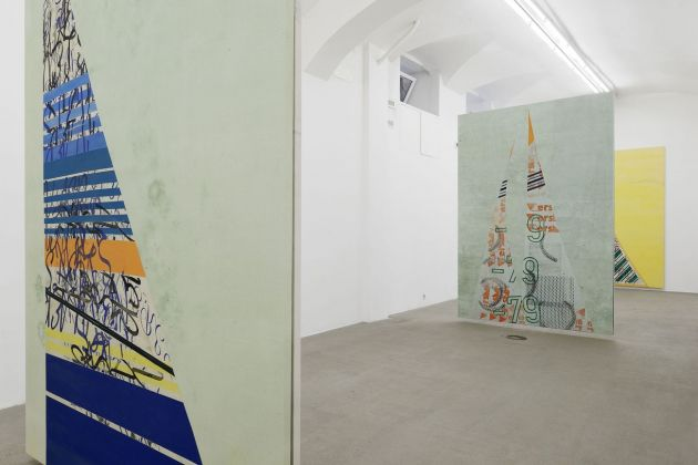 Fredrik Værslev. Tan Lines. Installation view at Fondazione Giuliani, Roma 2018. Courtesy l'artista & Andrew Kreps Gallery, New York & Gió Marconi, Milano & Standard, Oslo. Photo Roberto Apa