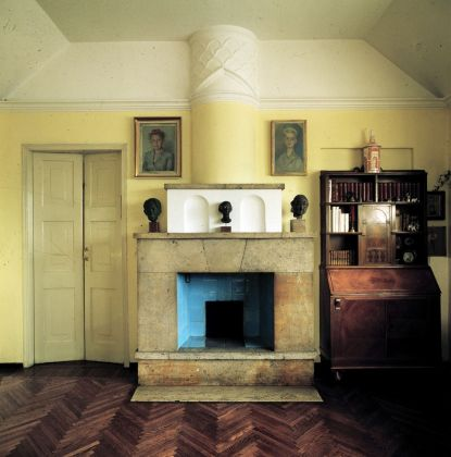 Gabriele Basilico, Giovanni Muzio. Ca' Brutta. Veduta del soggiorno dell'appartamento di Giovanni Muzio nella Ca' Brütta. Photo © Gabriele Basilico