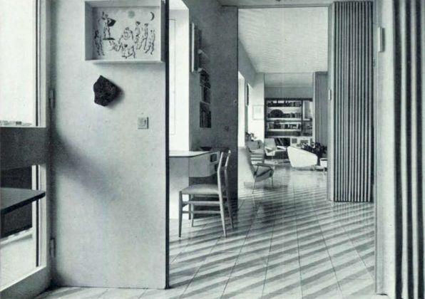 Gio Ponti, sistemazione del proprio appartamento nell'edificio di via Dezza 49, Domus 334, 1957, gli ambienti di facciata in infilata