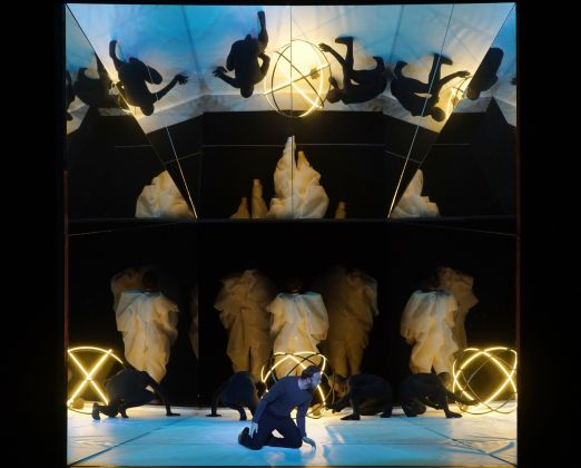 Hippolyte et Aricie (1733/1757), 2018. Music by Jean-Philippe Rameau, Simon Rattle (musical director), Aletta Collins (choreography), Olafur Eliasson (set, light and costume design). Photographer: Karl and Monika Forster © Staatsoper Unter den Linden
