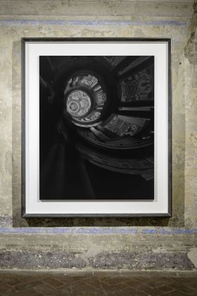 Hiroshi Sugimoto, Staircase at Villa Farnese II, 2016. Courtesy Galleria Continua. Photo Ela Bialkowska, OKNO Studio