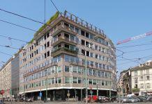 Ignazio Gardella ed Emilio Borgazzi, Edificio per abitazioni e uffici in via Cusani 4 e via Ponte Vetero 1, Milano. Photo Arbalete, 2014 via commons.wikimedia.org