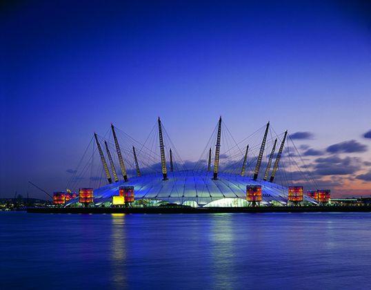 Il Millennium Dome di Londra, terminato nel 1998 e costruito in poco più di un anno da Richard Rogers. Photo credit Grant Smith. Courtesy RSHP