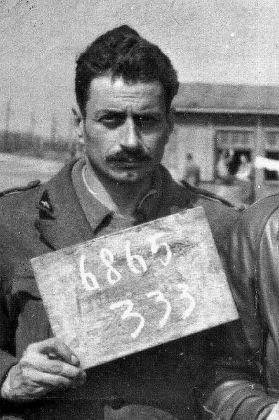 Il Tenente d'Artiglieria Giovannino Guareschi durante la prigionia in Germania