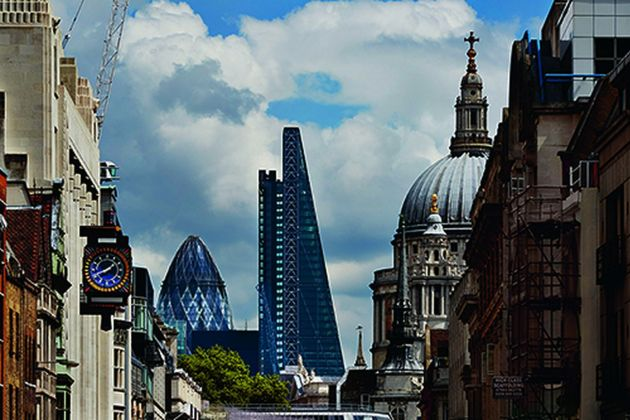 Il profilo spiovente del Leadenhall Building di Richard Rogers e la cattedrale di St Paul. Photo credit Richard Bryant-Arcaid Images. Courtesy RSHP