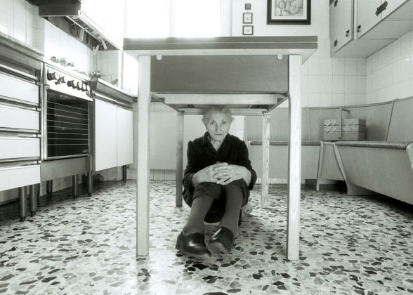 Marcello Maloberti, Casa, 1993, lambda print, cm 50×70. Courtesy dell'artista e della Galleria Raffaella Cortese, Milano