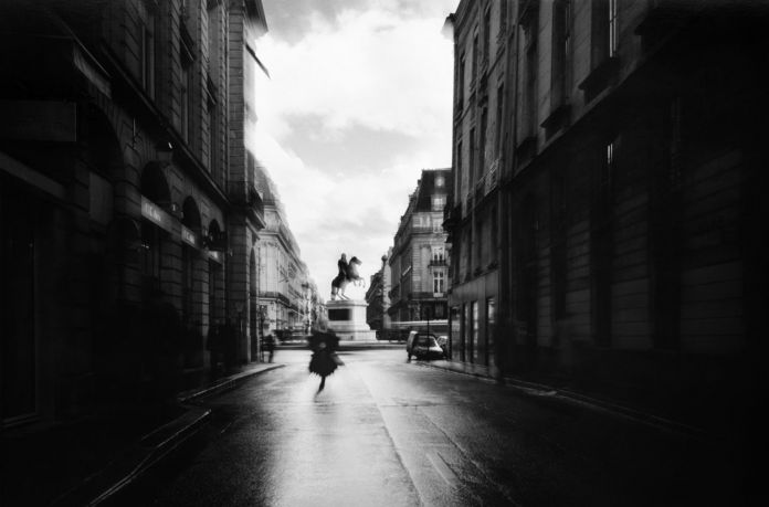 Mimmo Jodice, Parigi (Place des Victoires, 1993